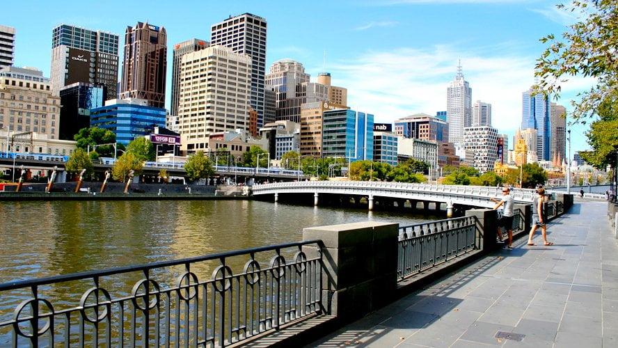 Melbourne skyline river